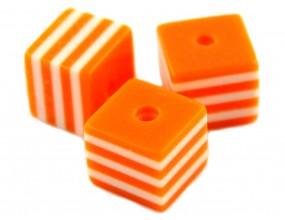 Koraliki kostki z żywicy paski 8x8mm pomarańczowe 6szt.